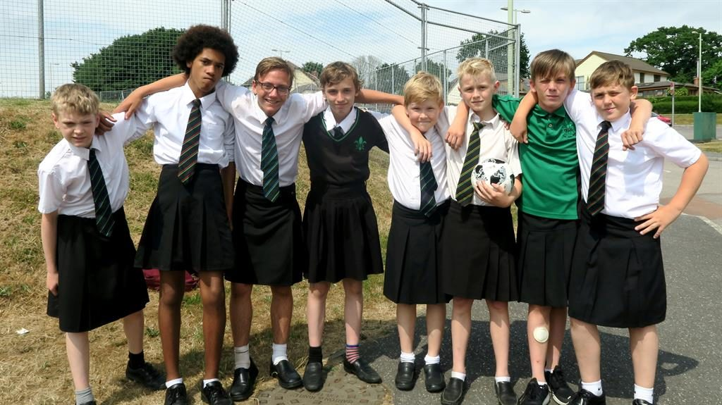 Cool for school! Boys wear skirts in protest - Metro Newspaper UK