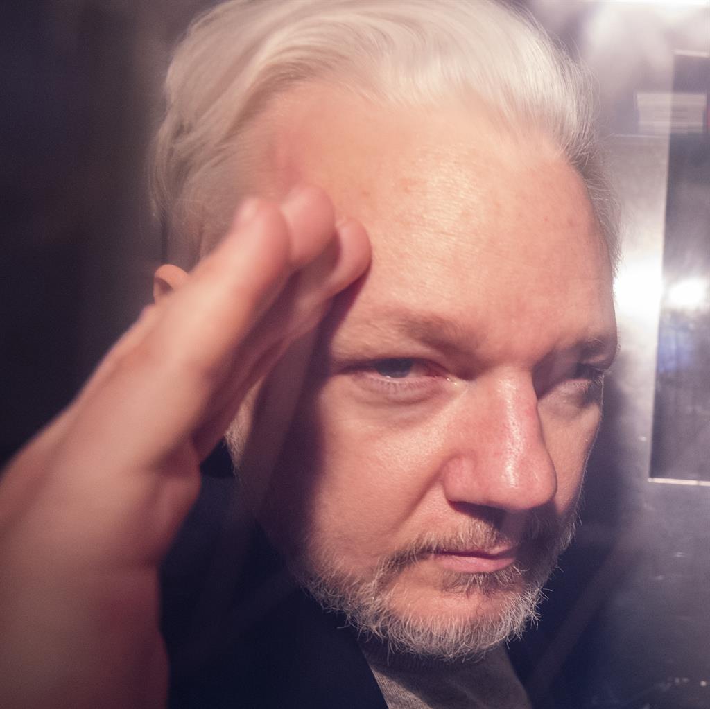Back Inside Julian Assange Gets 50 Weeks For Jumping