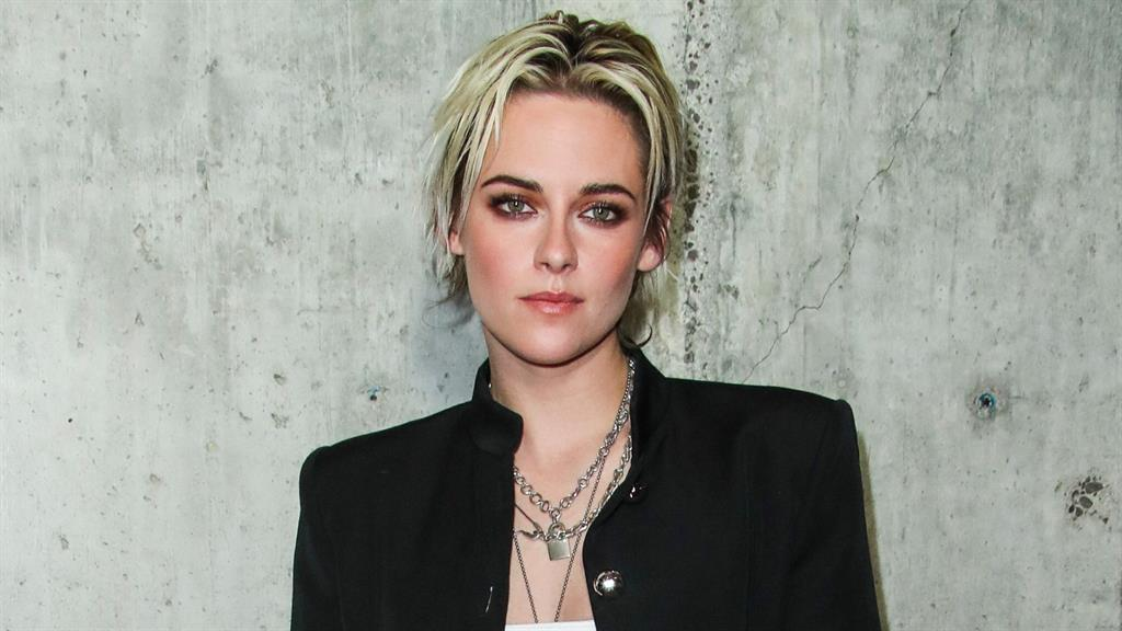 Deadringer for Di? Kristen is preparing to playing the princess PICTURES: REX