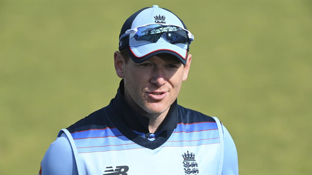 England bowl in first T20 against South Africa