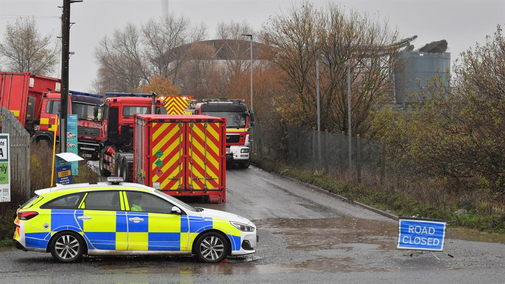4 die after explosion at United Kingdom waste water treatment plant