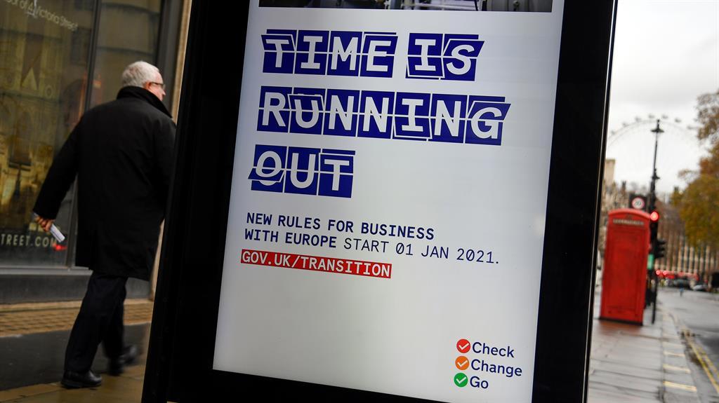 Last-ditch post-Brexit trade talks to resume between EU, UK