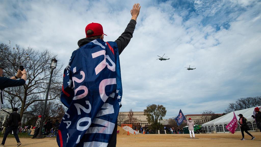 Pro-Trump rallies draw thousands to D.C.