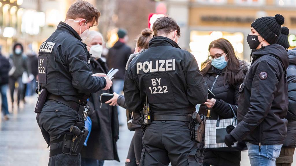 Berlin seeks tighter lockdown to rein in Covid-19 numbers