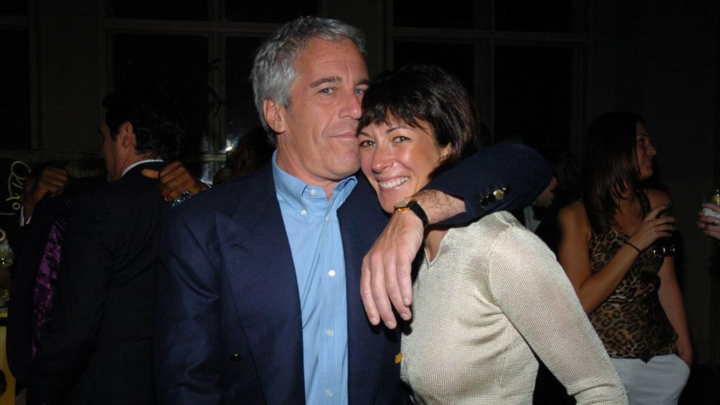 Ghislaine Maxwell assails sex-abuse case in push to dismiss charges